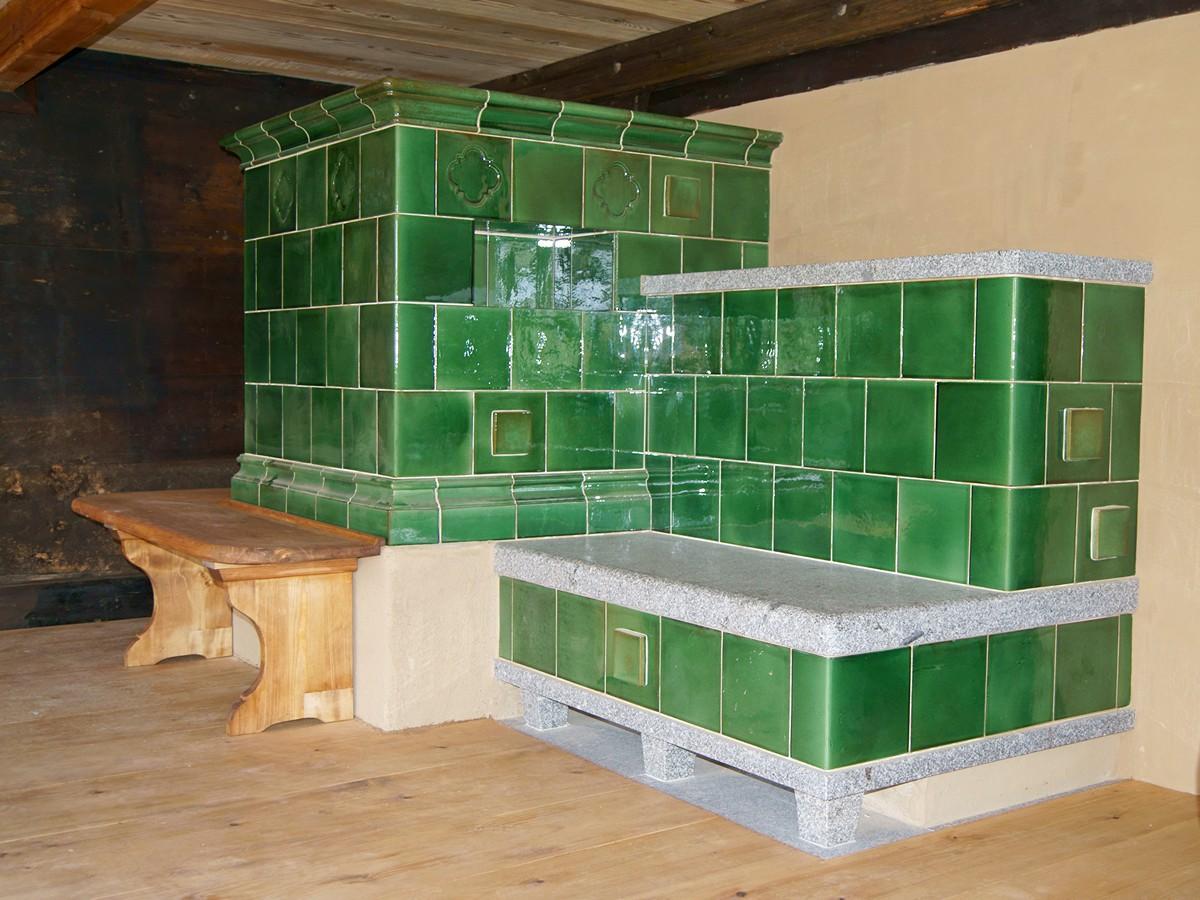 kachelmanufaktur eisenack schwarzw lder kachelofen mit chunst aus granit. Black Bedroom Furniture Sets. Home Design Ideas